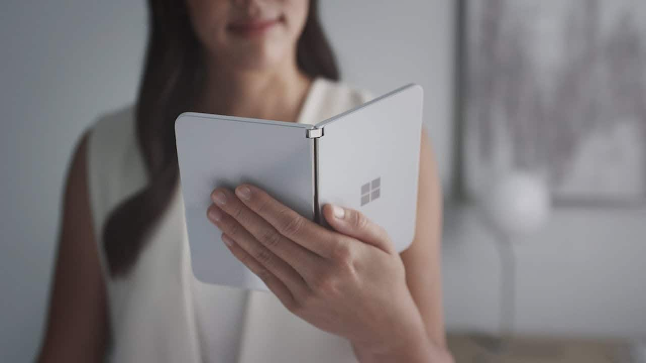 Смартфон Microsoft Surface Duo подешевел на 450 долларов